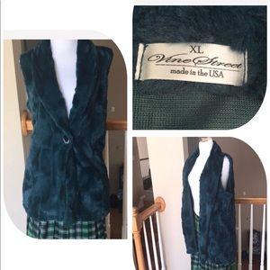 New Faux Fur Vine street women Vest size XL/L❤️